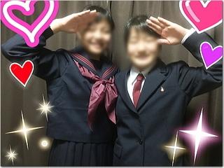 我が家の2人の新入学娘の制服姿ー☆いいわぁ〜♪(* ̄▽ ̄*)あは。